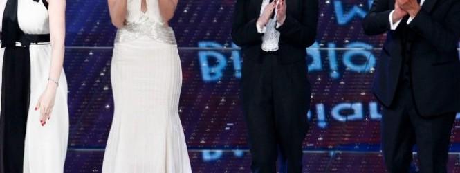 <a href=http://www.digital-sat.it/ds-news.php?id=39380 target=_blank >Sanremo vola con Charlize, Biagio e Wurst: oltre 10 milioni di telespettatori</a>